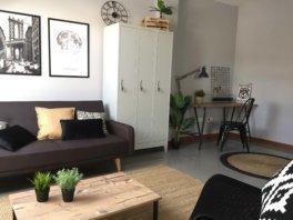Home staging estilo industrial ático Vigo