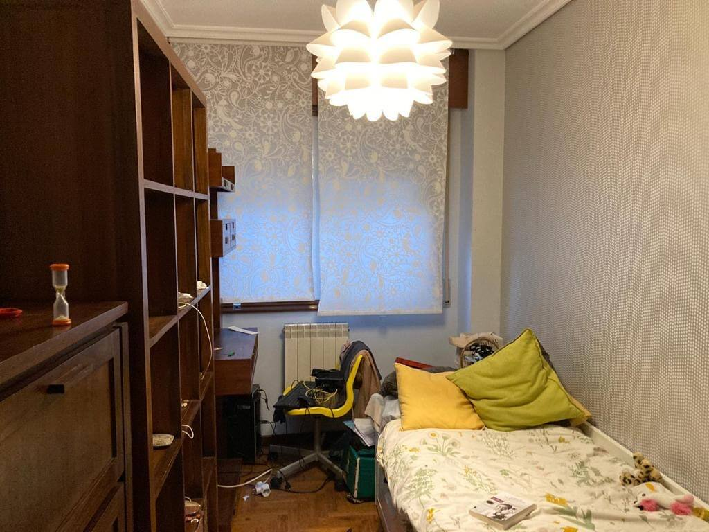 Dormitorio antes home staging